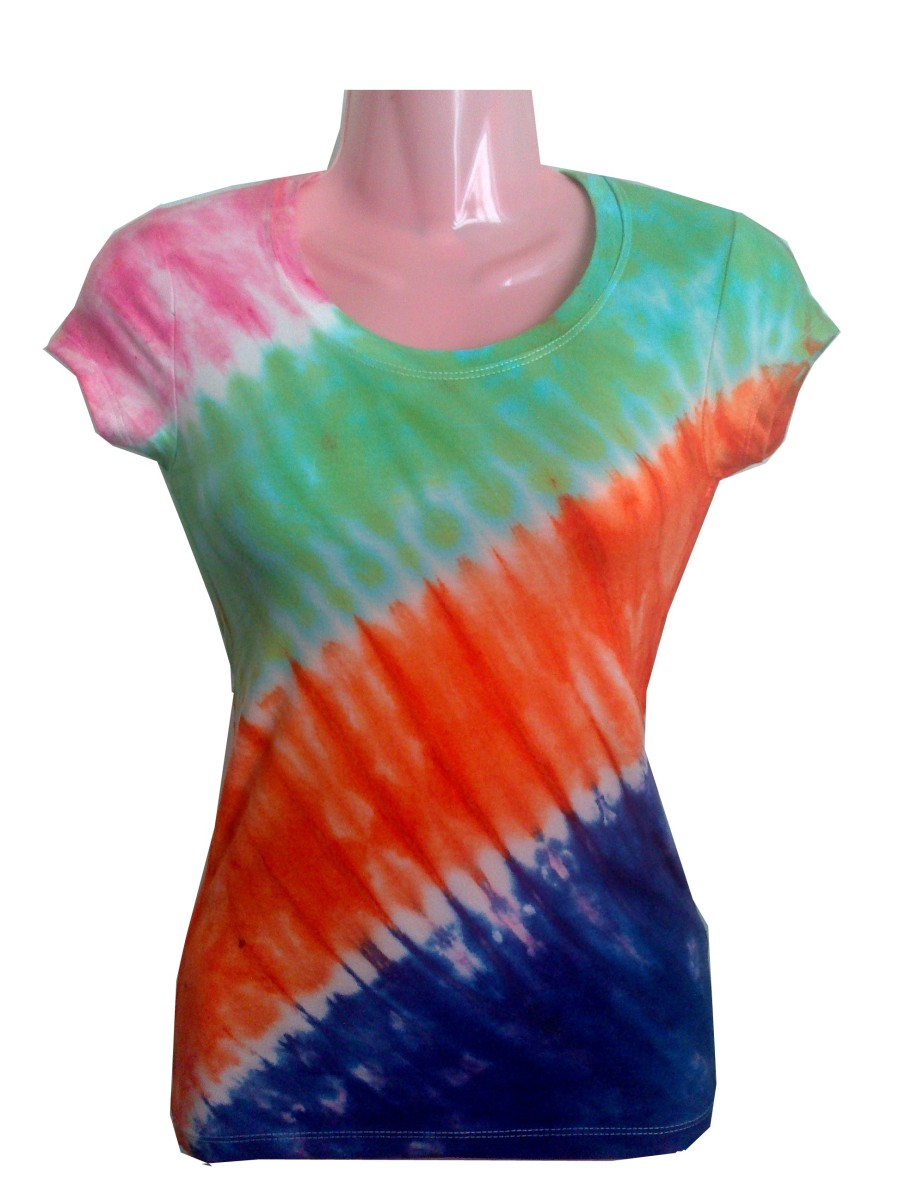 How to make a diagonal stripe tie dye pattern live for How to make tie dye shirts at home
